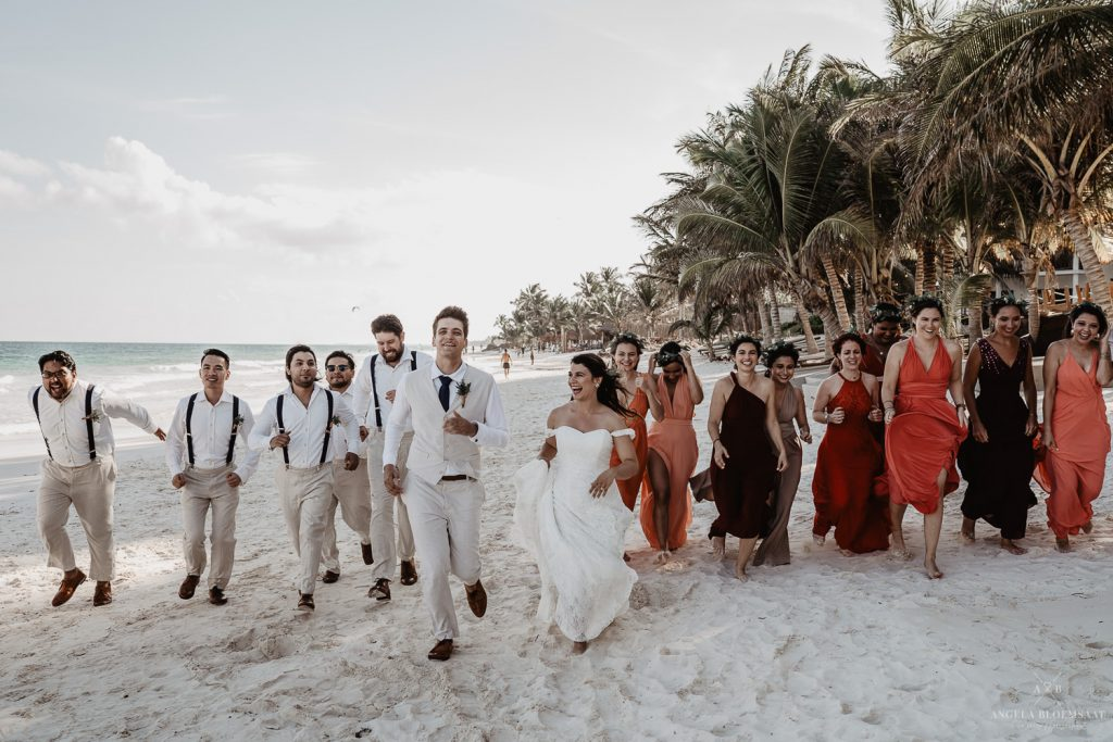 wedding photographer Tulum mexico groupphoto